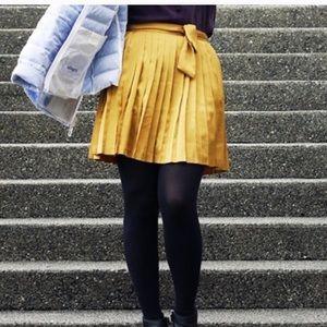 NWT Gap pleated gold skirt 12
